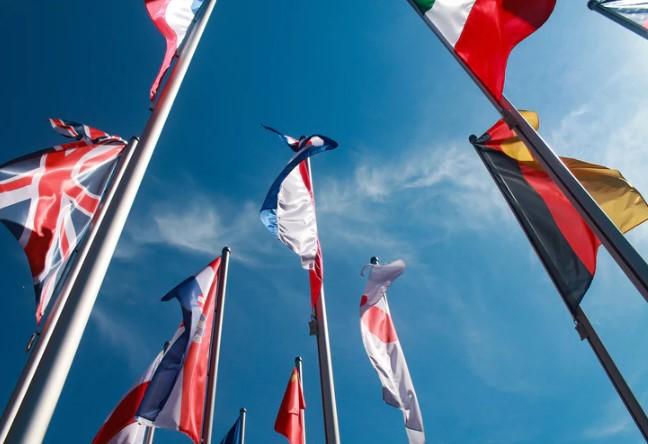 imparare una lingua - bandiere