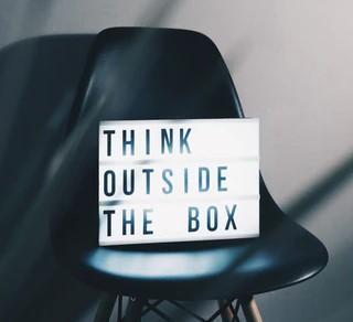Identità online - think outside the box